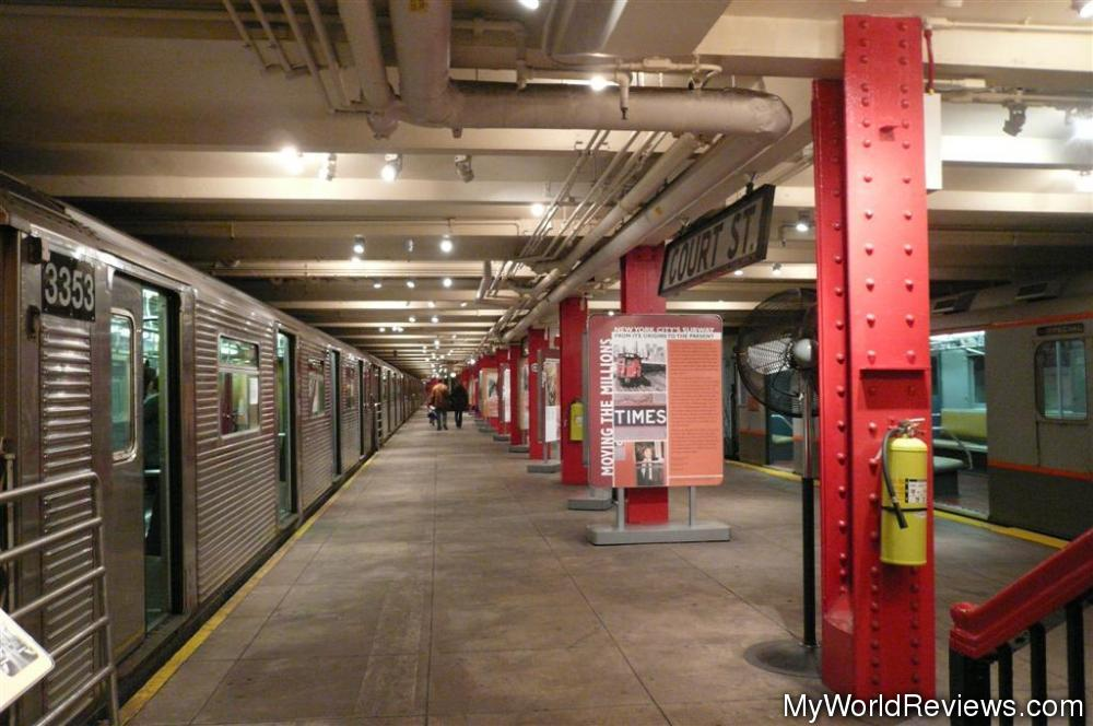 New york transit museum dumbo nyc for Ny transit museum store